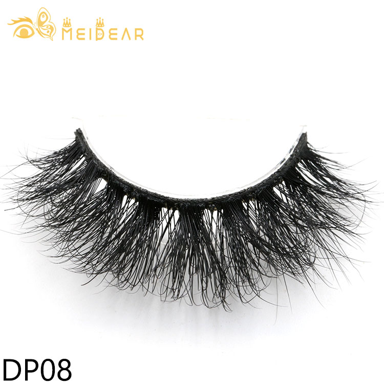 Wholesale natural look 3D real mink eyelashes with private label packages